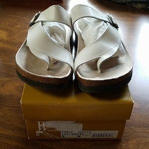 White Mountain womans sandals